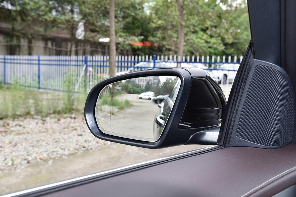 奔驰奔驰GLC外观图片
